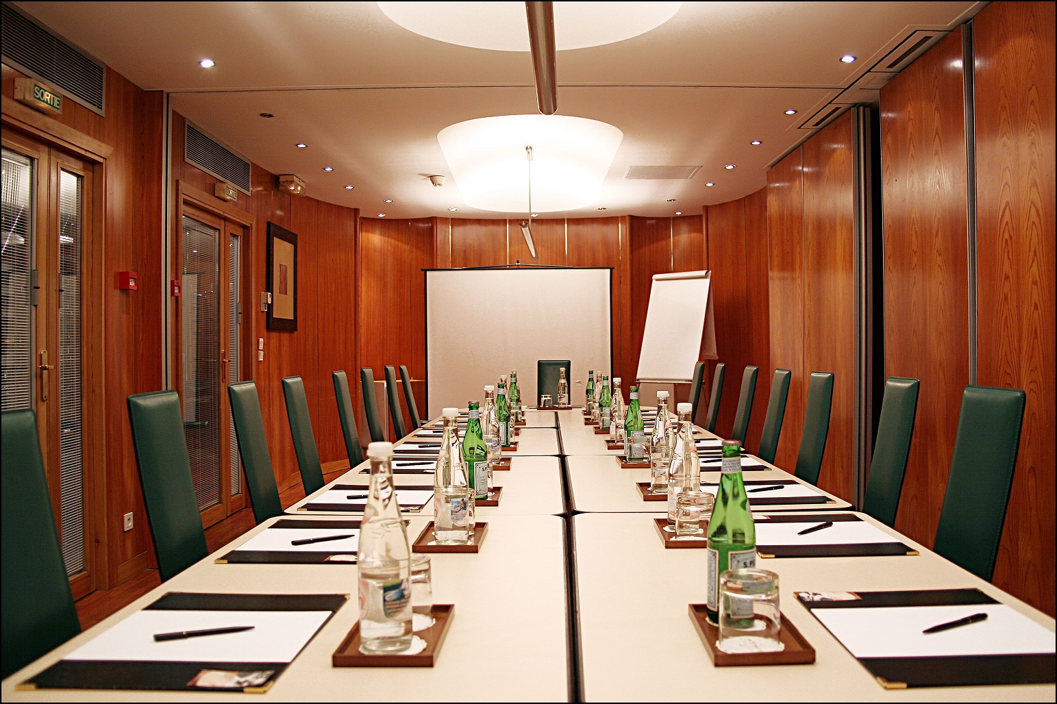 57/Seminaire/meeting_room_villa_luxembourg_paris.jpg